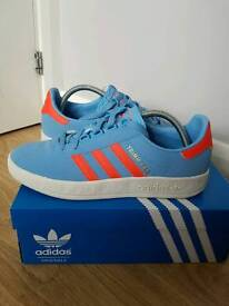 ADIDAS DEADSTOCK TRIMM-TRAB MANCHESTER C/W UK9 SOLD AWATING PAYMENT