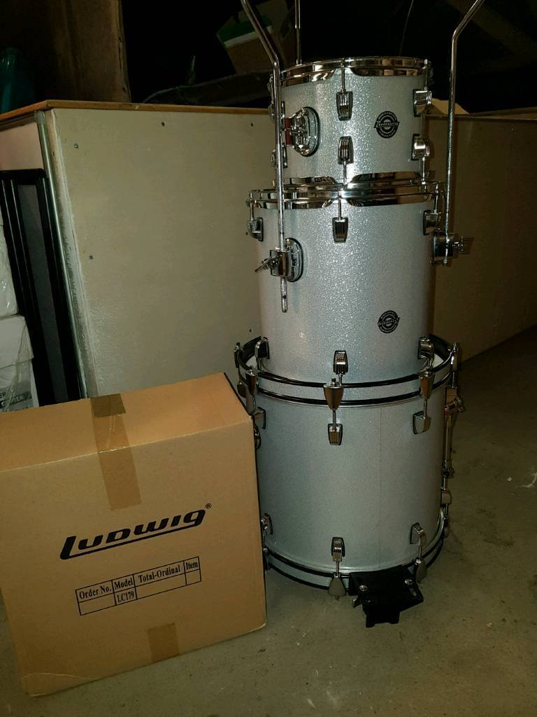 ludwig breakbeats drum kit silver sparkle in mount florida glasgow gumtree. Black Bedroom Furniture Sets. Home Design Ideas