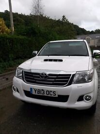 Toyota Hilux Invincible 3.0D - 4D Double Cab Pick Up Automatic