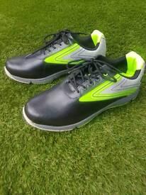 Men golf shoes