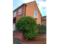 Two double bedroom, quality, modern house to rent in great location in central Newark