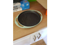 Le Creuset grill pan, 25cm round.
