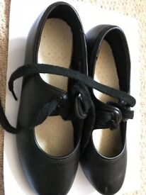 Tap shoes girls size 3 used black
