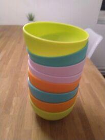 Eight plastic bowls central London bargain