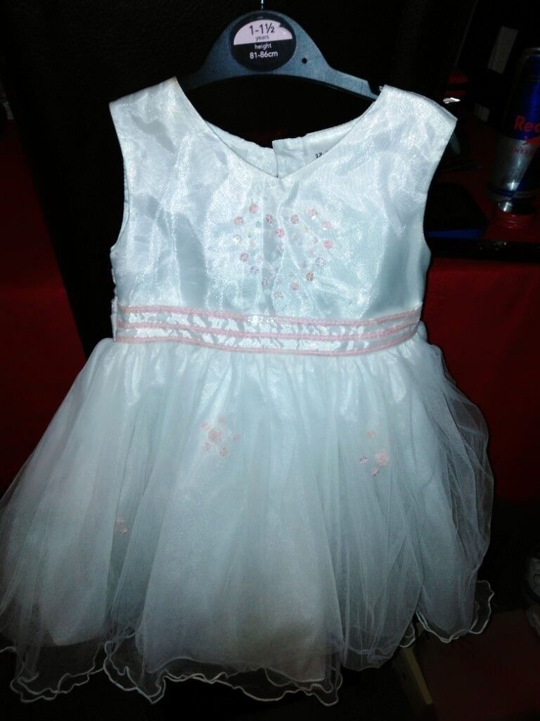 cd0eab5a34b6 White and pink baby girls dress 12 18 month