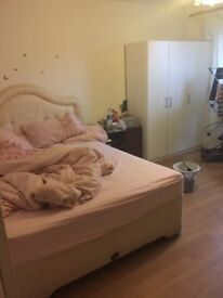 Big double room in woolwich to rent