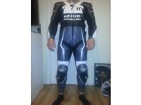 Hi am selling my Berik 1 piece race suit kangaroo leather with no damage barely used.