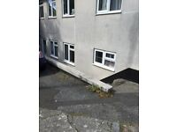 2 bedroom ground floor flat avaliable for rent on Highbury Road, Torquay.