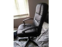 Leather computer chair very good condition