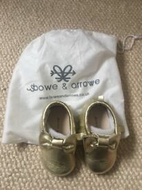 Baby leather moccasins, gold, 6-12 months