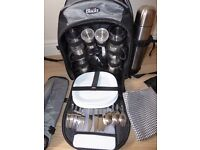 LUXURY PICNIC RUCKSACK FOR 4 WITH THERMOS FLASK-NEW