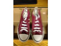 Size 4 Girls Plum' Converse' trainers