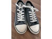BK Knights Trainers (SIZE 6.5)