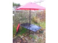 Garden furniture. Garden table parasol and 6 folding chairs