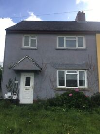 Three bedrooms house to let with central heating.