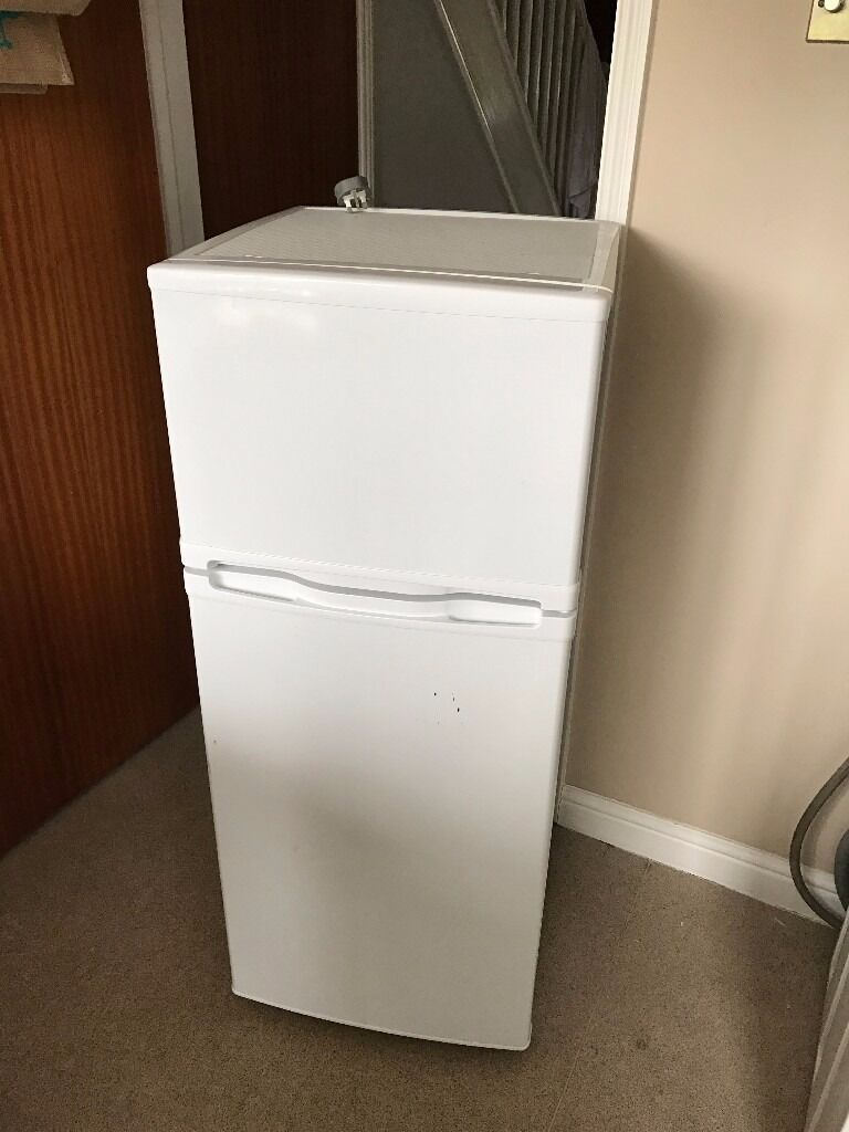 Currys Small Kitchen Appliances Currys Essential Compact Small Fridge Freezer C50tw12 In