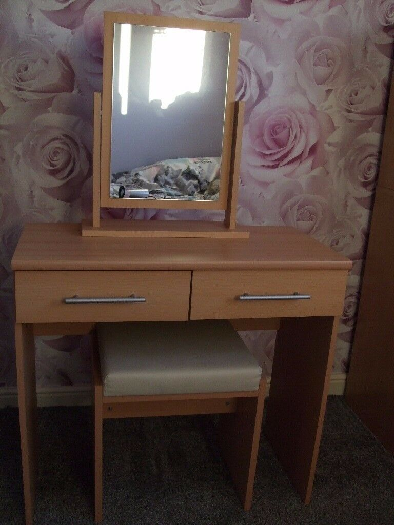 Beech Effect Wood Dressing Table With Mirror & Stool