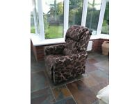Niagara Therapy Rise and Recline Chair