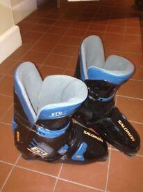 Salomon men's ski boots, used rarely, 335/26.5,