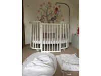 Stokke Sleepi Cot - White + Accessories - Excellent Condition