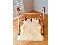 Wooden baby gym by Heimess
