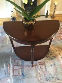 Dark maple side dresser