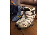 Salomon ski boots 24.0 (UK 5)