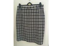 Vintage M&S classic fitted lined check skirt