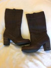 Ladies Timberlands Earthkeepers Size 4.5