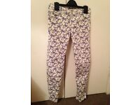 Gap girls cream and blue patterned jeans age 8