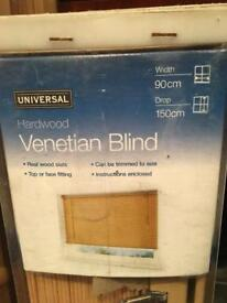 Universal Hardwood Natural wood Venetian Blinds