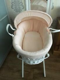 Moses basket with stand (pink/peach)
