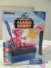 Alarm robot