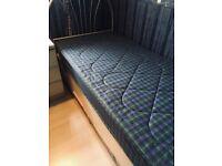 Single Bed/Mattress/headboard/Drawers
