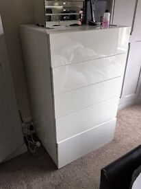 White gloss drawer unit, Perouse by Habitat, large, 5 drawer unit. Used but v. good condition