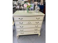 Vintage, French style chest of 5 drawers with glass top