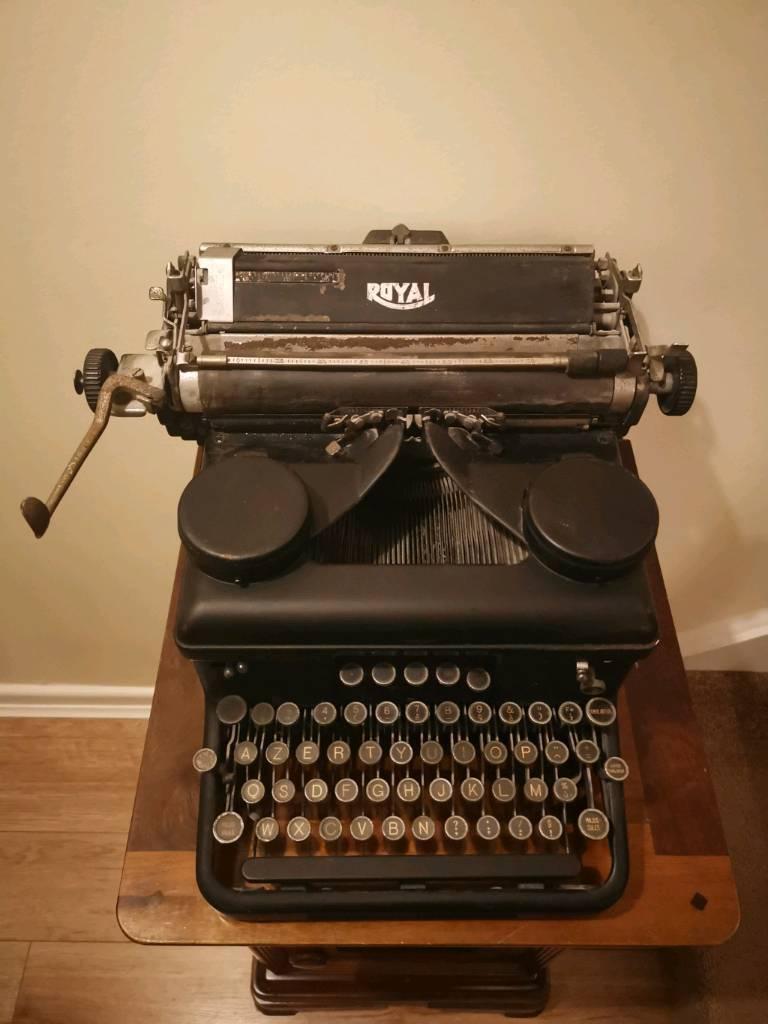 dating a royal typewriter