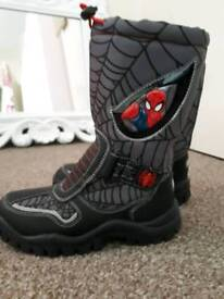 Young boys size 12 spiderman fur lined snow boots wellies. Worm once.