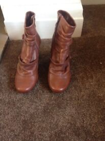 Ladies Tan Leather 'Dune' Ankle Boots, Size 5