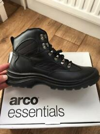 Arco essential men's leather boots size 10
