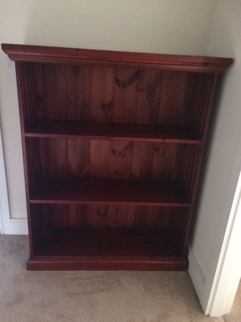 Stunning oak bookcase in immaculate condition