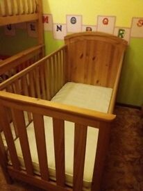 Cot bed with materrace