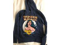 Wonder Woman hoody large