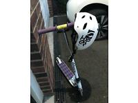 QUICK SALE - White JD BUG Scooter with Helmet – Age 8 - 14 years.