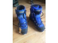 Asolo 4 season mountain boots size 10