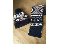Child's bobble hat and scarf set