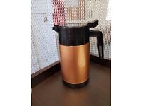 Gold Insulated Jugs for drink or food Large and Small