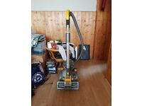 Dyson Dc08 CYLINDER Vacuum Cleaner bagless 1 w