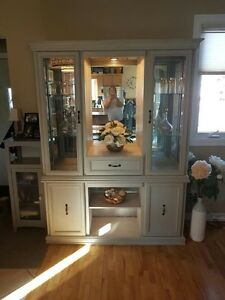 Farmhouse style hutch