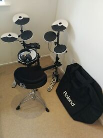 Roland TD-4KP V-drums portable electronic drum kit, mesh snare and carry case (RRP value £847)